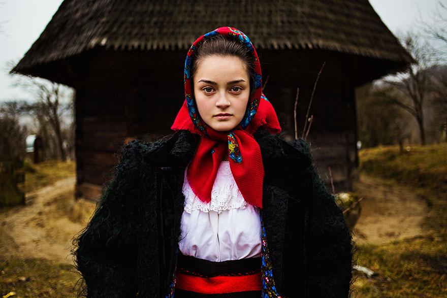 woman-beauty-atlas-mihaela-noroc-179__880
