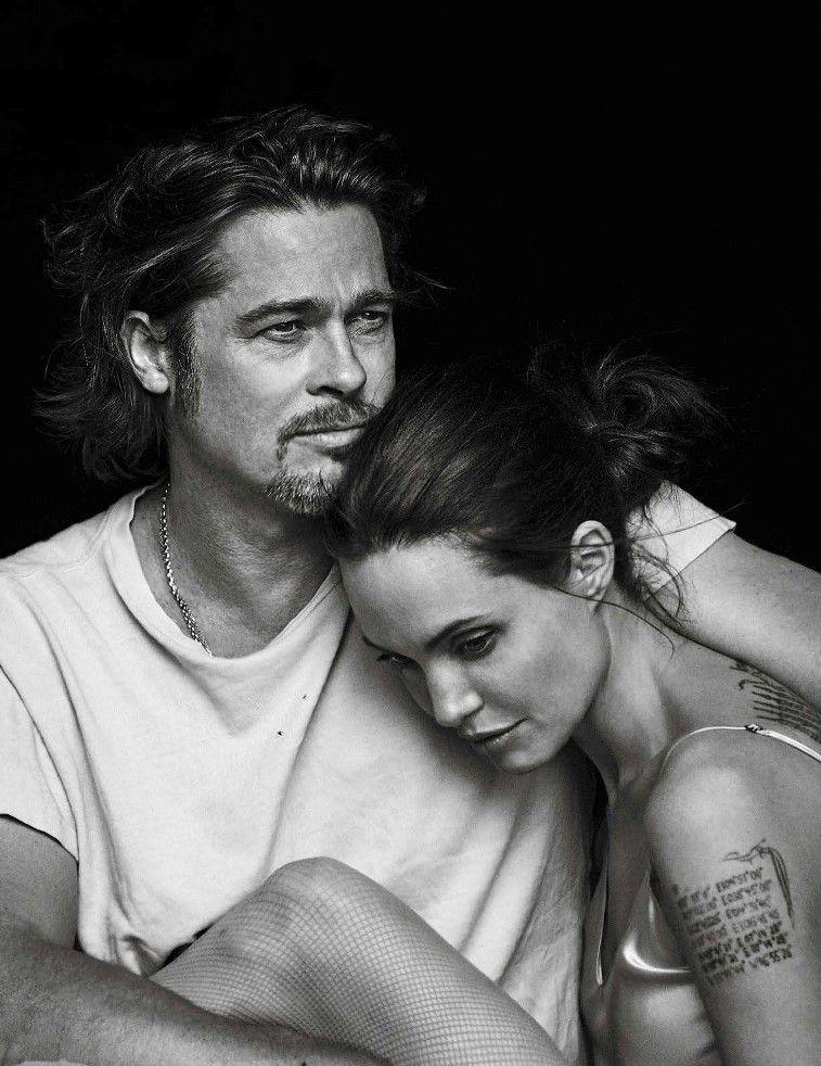 Jolie-val a Vanity Fair tavalyi fotósorozatán, 50 múlt.