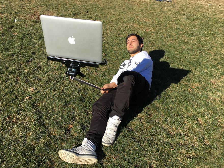 macbook-selfie-stick-moises-john-yuyi-tom-galle-32
