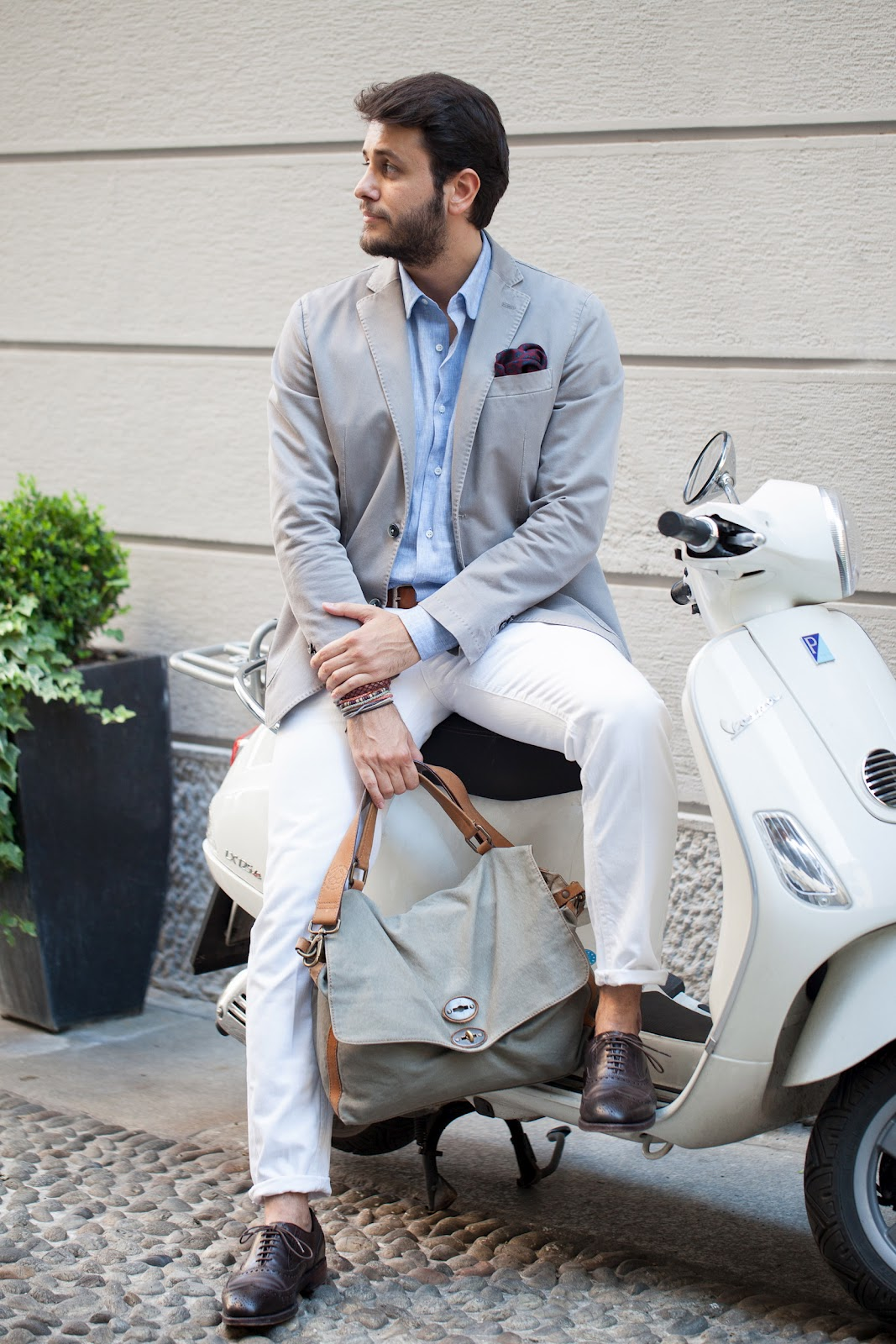 white-grey-scooter-men-lookbook-jeans-jacket-italian