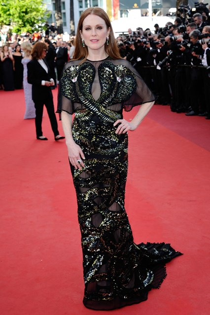 Julianne-Moore-Cannes-vogue-12may16-PA_b_426x639