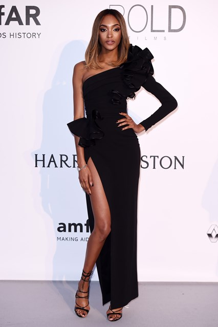 jourdan-dunn-vogue-20may16-rex_b_426x639