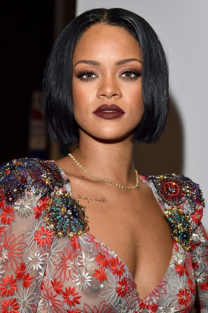 Rihanna_glamour_15feb16_getty_b_666x1000