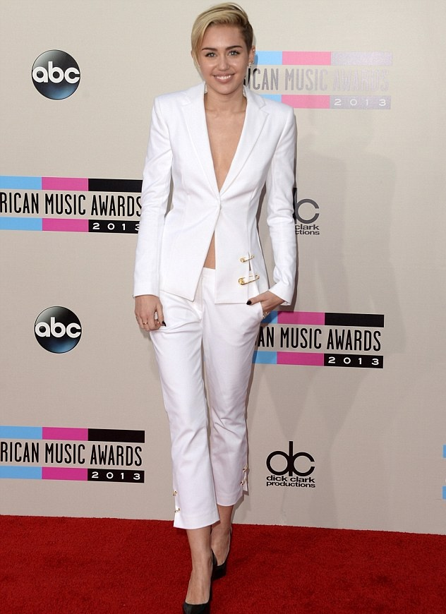 Miley-Cyrus-white-pantsuit