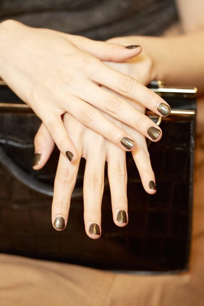 nyfw-nails-marchesa-metals