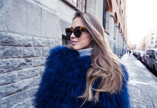beauty-blogger-brunette-curly-hair-favim-com-3851154