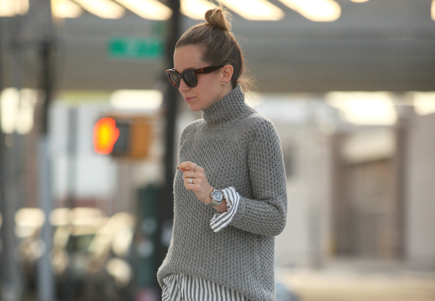 grey-ruched-stitch-turtleneck-fall-outfit-bmodish