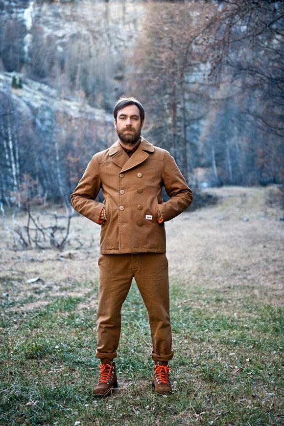 ruhák terén teljesen legitim módon hozhatod az omnipotens dolgozó férfi  principiumát. 800cf43484